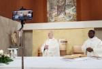 parrocchia-santernesto-dietro-le-quindi-della-messa-trasmessa-su-facebook-13